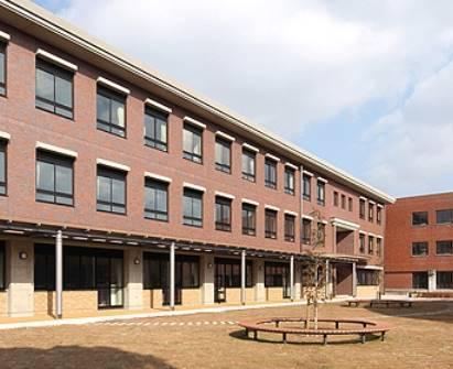 同志社国際高校の校舎外観