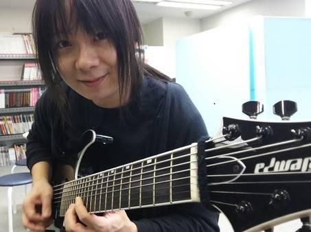 ギタリスト・藤岡幹大