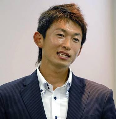 カヌーの鈴木康大選手の画像
