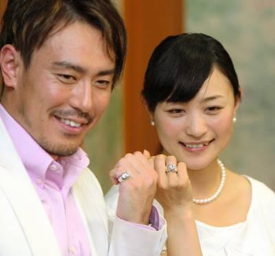 上村愛子と皆川賢太郎の夫婦