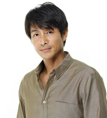 俳優の吉田栄作