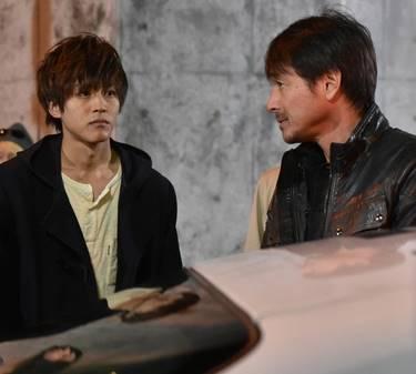 2017年のドラマ「日暮旅人」に出演する吉田栄作①