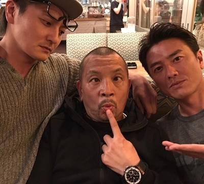 平井兄弟と中野英雄の3ショット